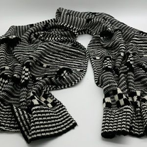 Gorgeous Gap Large Heavyweight Scarf